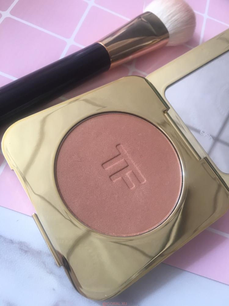 20180928175759 - Tom Ford Gold Dust review